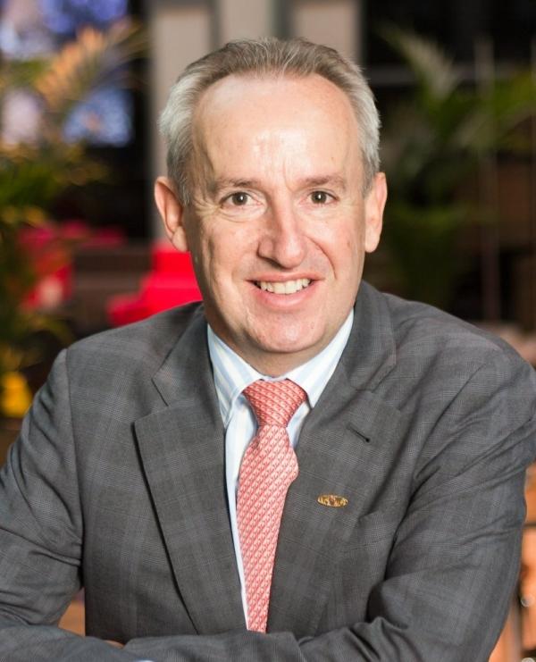 Global Resource Andrew Bart Headshot