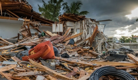 Blog Post Feature Hurricane Florence Michael 1000X500
