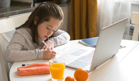 博客发布英国2021年第三季度儿童笔记本电脑