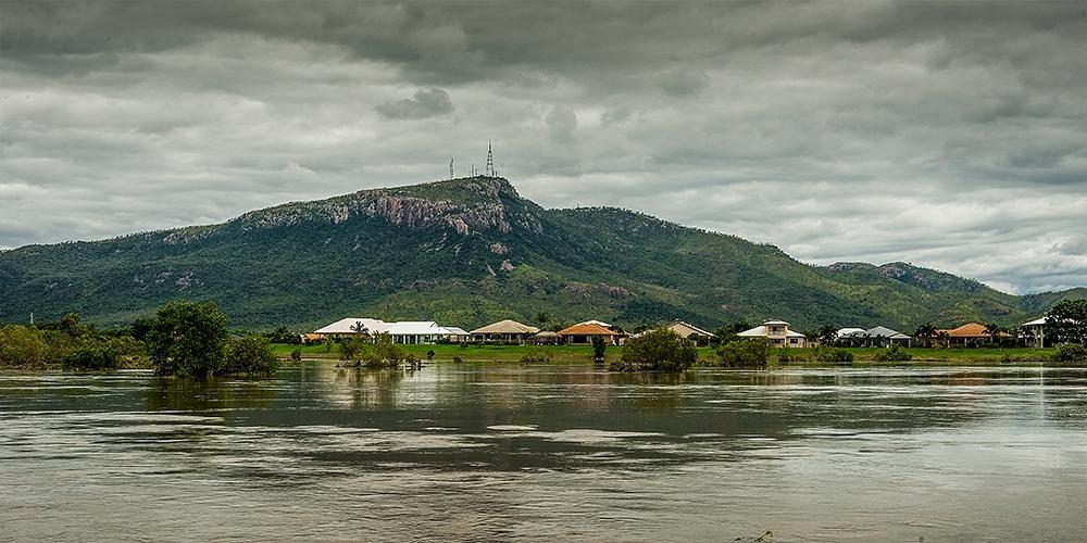 Blog post feature image au flood 1000x500